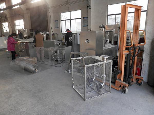 火鍋店機械不銹鋼隔油池改造升級